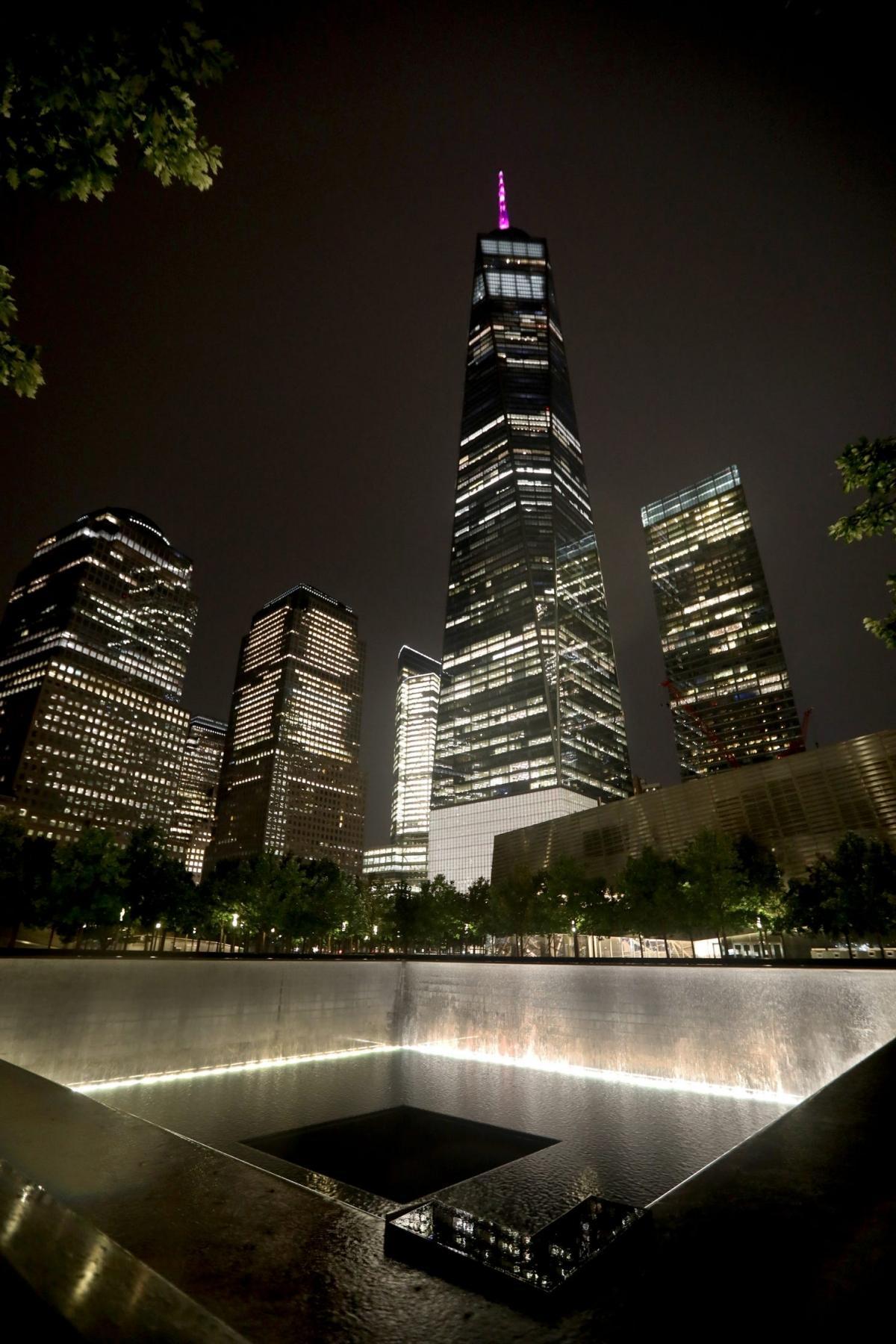 Ngày thường, Đài Tưởng niệm 11/9 không mở cửa với du khách vào ban đêm nhưng sẽ mở cửa vào đêm 11/9 nhằm tưởng niệm 20 năm vụ khủng bố 11/9 xảy ra. Ảnh: USA Today