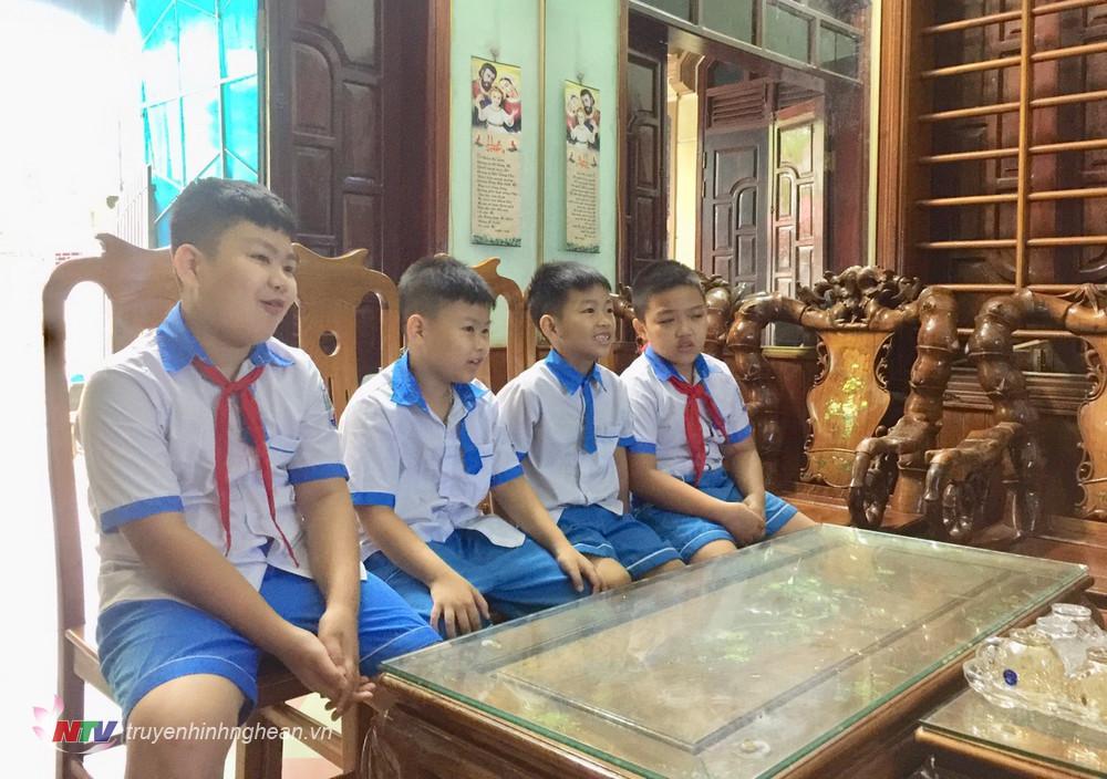 Bắt đầu từ 6/9, học sinh Tiểu học, Trung học Cơ sở, Trung học Phổ thông trên địa bàn huyện sẽ tham gia học trực tuyến.