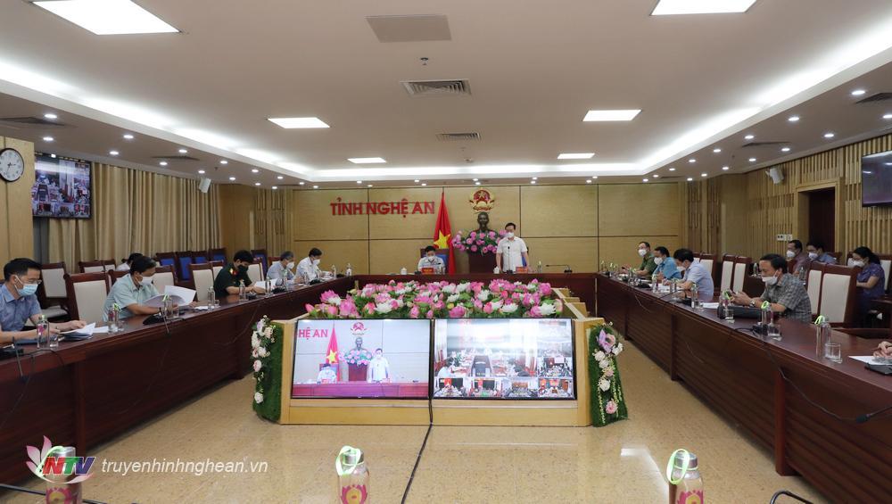 Toàn cảnh cuộc họp tại điểm cầu UBND tỉnh.