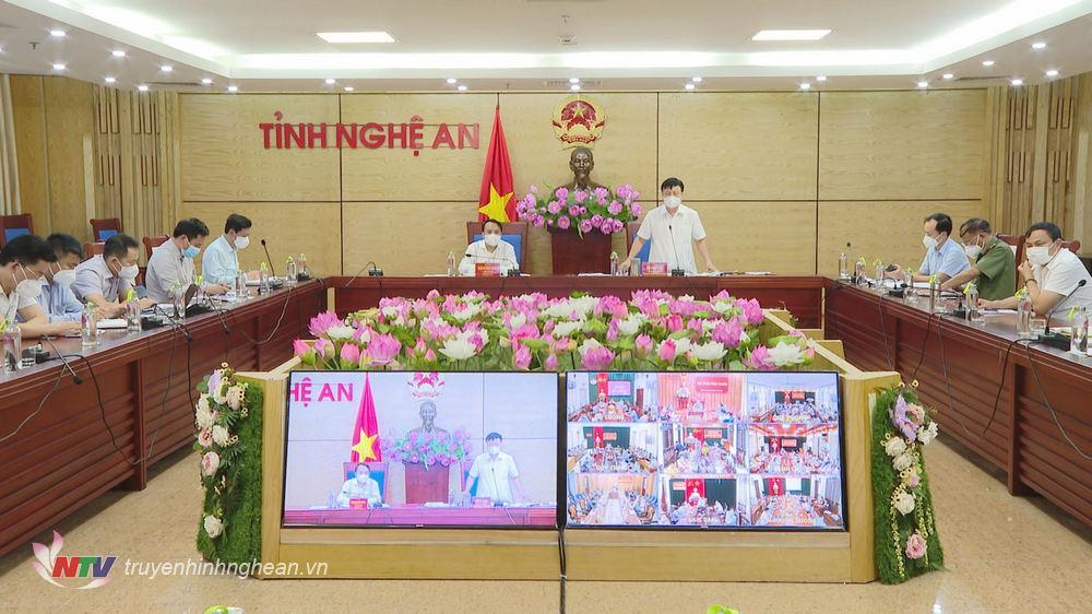 Phó Chủ tịch UBND tỉnh Bùi Đình Long phát biểu kết luận hội nghị.
