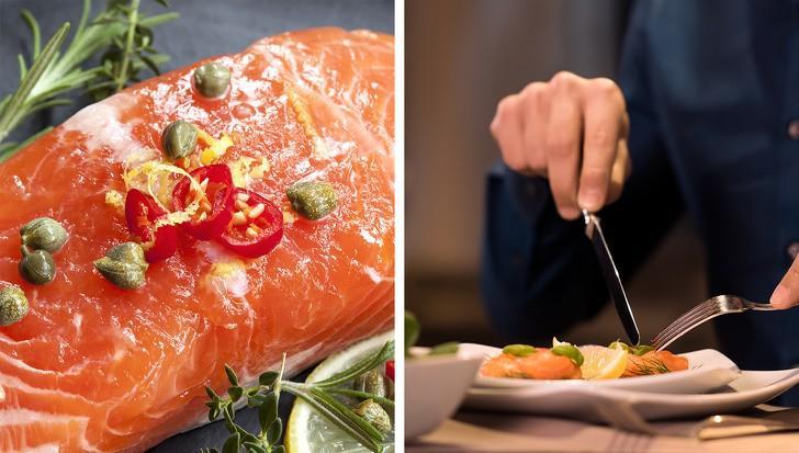 Cá hồi chứa đầy đủ axit béo omega-3 và vitamin B2, tiêu thụ cá hồi ngăn ngừa tiểu cầu của bạn bị vón cục, một nguyên nhân gây nên đau đầu thường xuyên. Nó cũng làm giảm viêm và giúp bạn chống lại chứng đau nửa đầu.