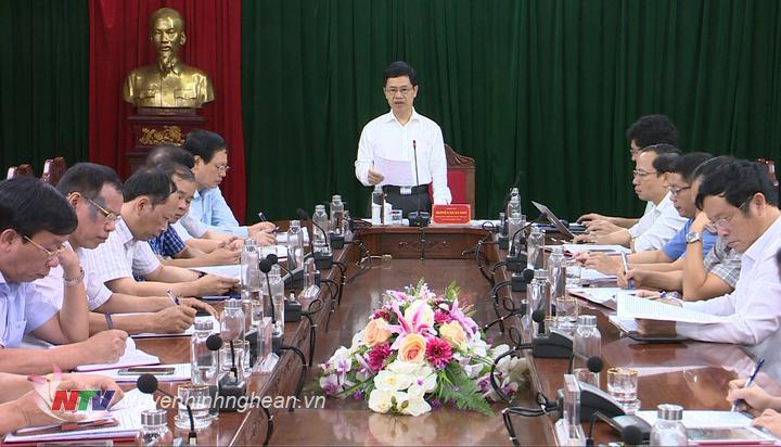 Phó Bí thư Thường trực Tỉnh ủy Nguyễn Xuân Sơn phát biểu kết luận buổi làm việc.