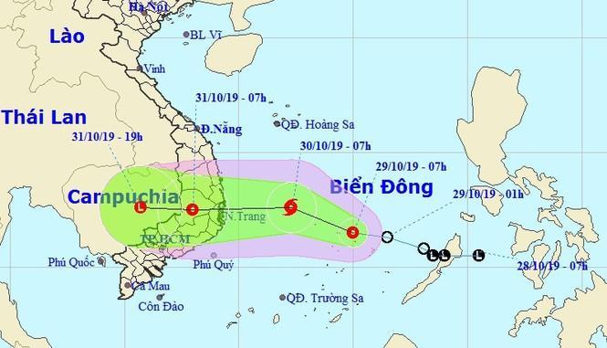 Cơn ATNĐ/bão đang trên biển Đông có đường đi giống bão Damrey gây thiệt hại nặng nề ở miền Trung cuối năm 2017