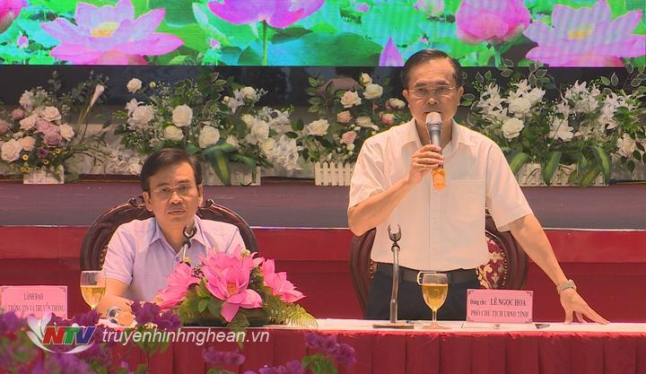 Phó Chủ tịch UBND tỉnh Lê Ngọc Hoa phát biểu tại buổi họp báo.