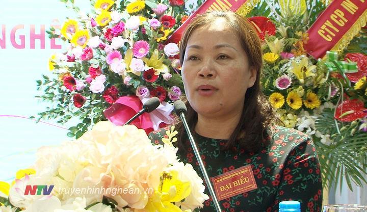 Đồng chí Nguyễn Thị Thu Hường - Ủy viên BTV, Trưởng Ban Tuyên giáo Tỉnh ủy phát biểu tại Đại hội.
