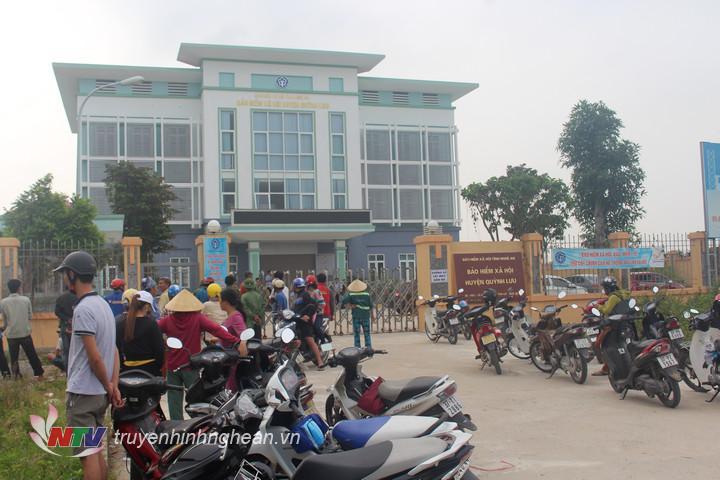 Bảo hiểm xã hội huyện Quỳnh Lưu - nơi xảy ra cái chết bất thường của bảo vệ.