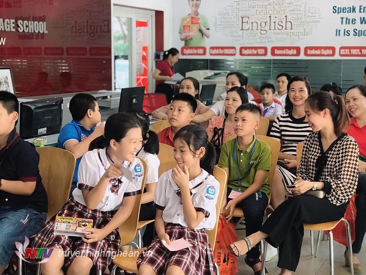 Khởi động cho mùa thi thứ 3, qua vòng tuyển chọn của các trường tiểu học và phòng giáo dục địa phương, đến nay, có 323 thí sinh đăng ký dự thi vòng sơ loại.