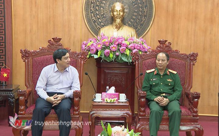 Bí thư Tỉnh ủy Nguyễn Đắc Vinh phát biểu chúc mừng.