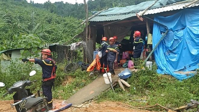 Triển khai công tác cứu nạn.