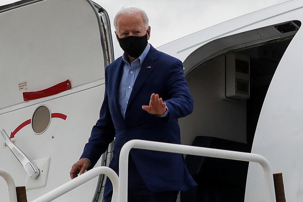 Người dân Mỹ cũng đang lo ngại cựu Phó tổng thống Joe Biden có nguy cơ nhiễm Covid-19 sau khi tranh luận với ông Trump ngày 29/9. Ảnh: Reuters.