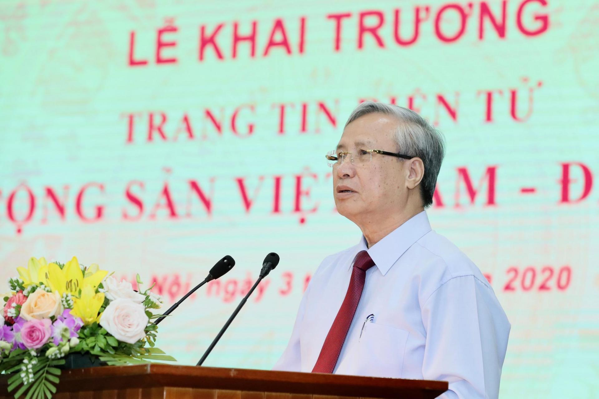 Thường trực Ban Bí thư Trần Quốc Vượng phát biểu chỉ đạo tại Lễ khai trương.