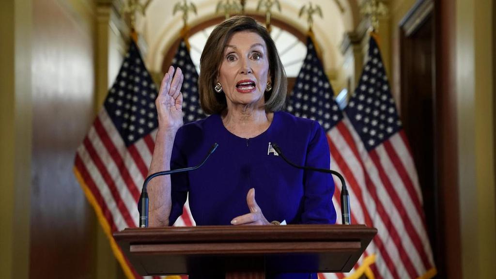 Chủ tịch Hạ viện Nancy Pelosi của đảng Dân chủ là người thứ 3, sau Phó tổng thống Mike Pence, có thể tạm điều hành chính phủ trong trường hợp Nhà Trắng khủng hoảng lãnh đạo. Ảnh: Reuters.