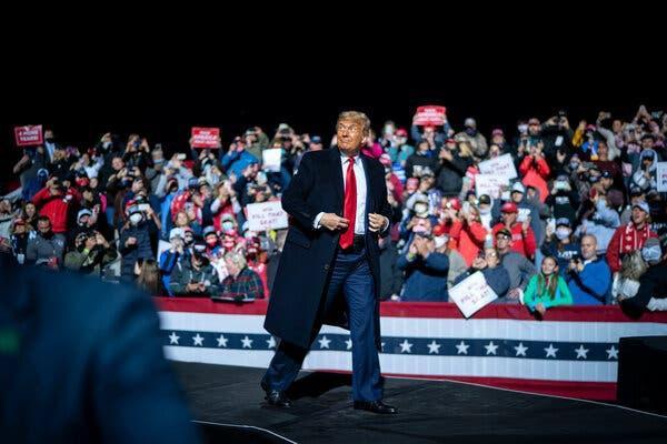 Tổng thống Mỹ trong cuộc vận động ở Pennsylvania. Ảnh: AP.