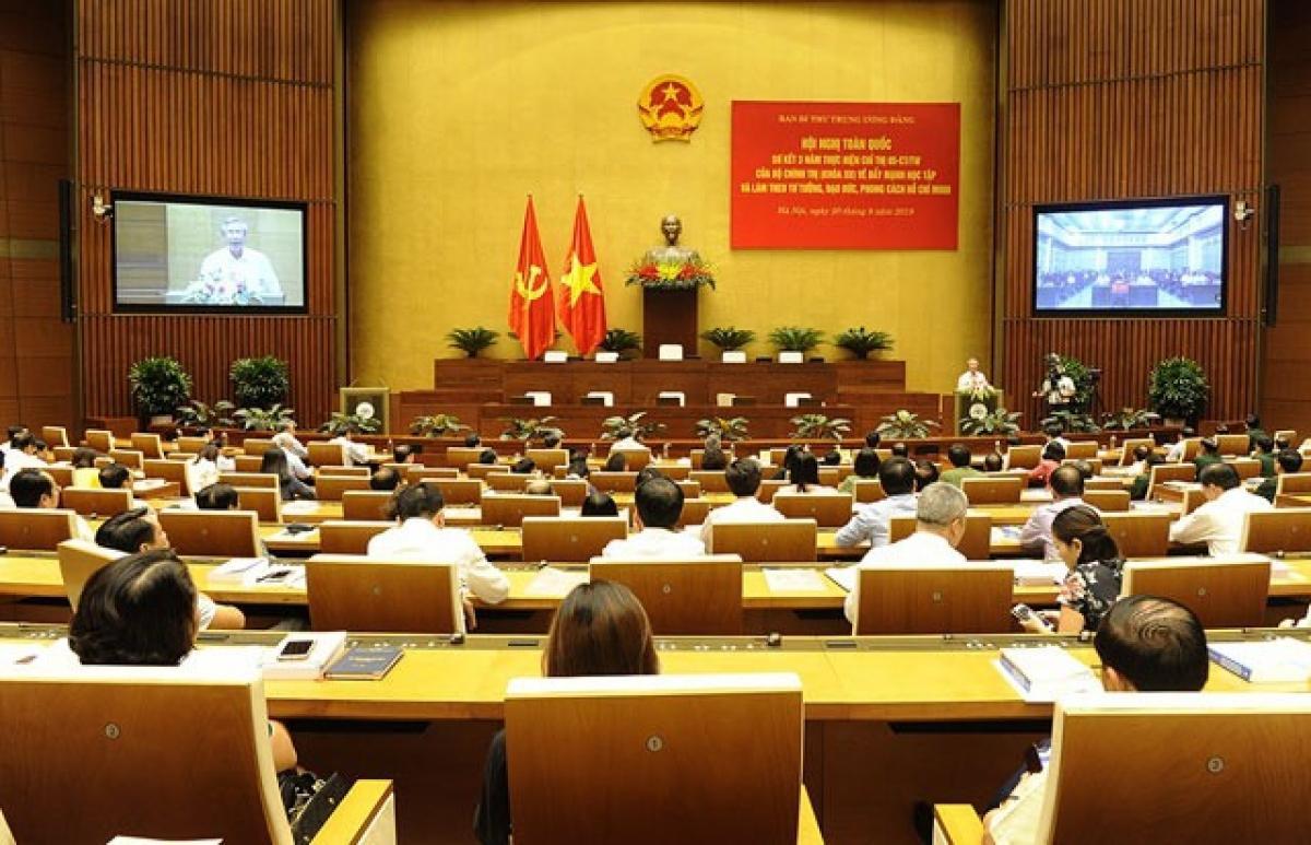 Hội nghị toàn quốc sơ kết ba năm thực hiện Chỉ thị số 05-CT/TW của Bộ Chính trị, khóa XII về Đẩy mạnh học tập và làm theo tư tưởng, đạo đức, phong cách Hồ Chí Minh (Ảnh: Báo Nhân dân)