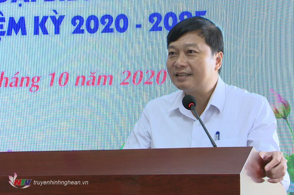 Phó Chủ tịch Thường trực UBND tỉnh Lê Hồng Vinh p