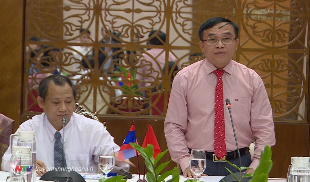 Đồng chí Ngọc Kim Nam phát biểu chào mừng đoàn đại biểu thanh niên Lào.