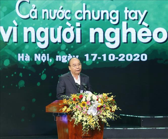 Thủ tướng Nguyễn Xuân Phúc phát biểu tại chương trình Cả nước chung tay vì người nghèo.