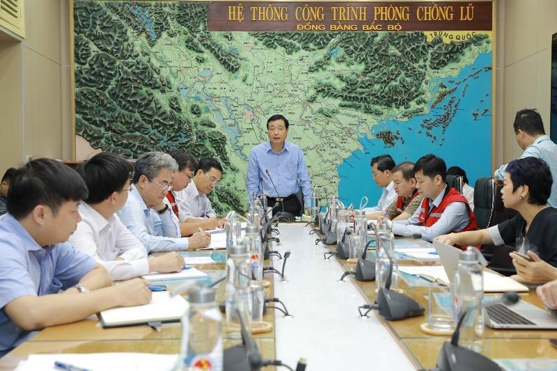 ông Trần Quang Hoài Phó trưởng Ban chỉ đạo Trung ương về Phòng, chống thiên tai, Tổng cục trưởng Tổng cục Phòng, chống thiên tai phát biểu tại cuộc họp.
