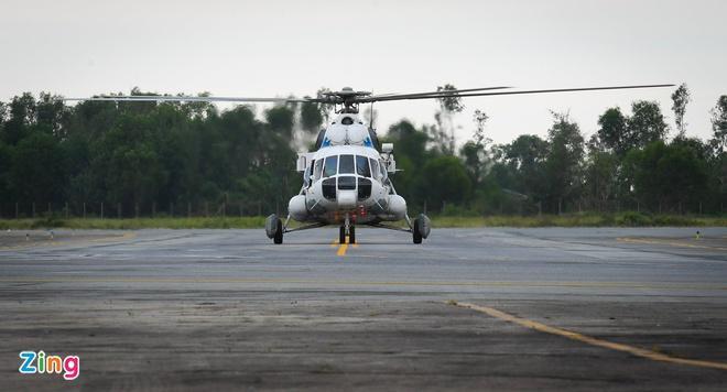 Sáng 14/10, chiếc Mi-171E từ sân bay Phú Bài tiến thẳng về hướng công trình thủy điện Rào Trăng 3.
