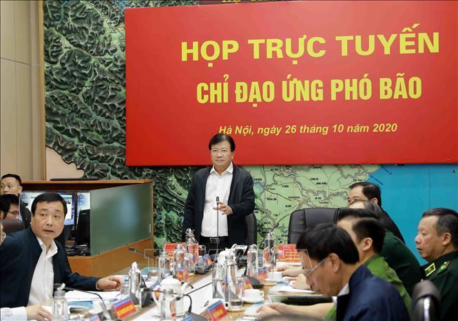 Phó Thủ tướng Trịnh Đình Dũng, Trưởng ban Chỉ đạo Trung ương về phòng, chống thiên tai phát biểu.
