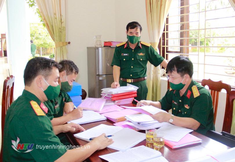 Kiểm tra việc thực hiện Công tác Đảng, Công tác Chính trị tại Ban CHQS huyện Đô Lương.