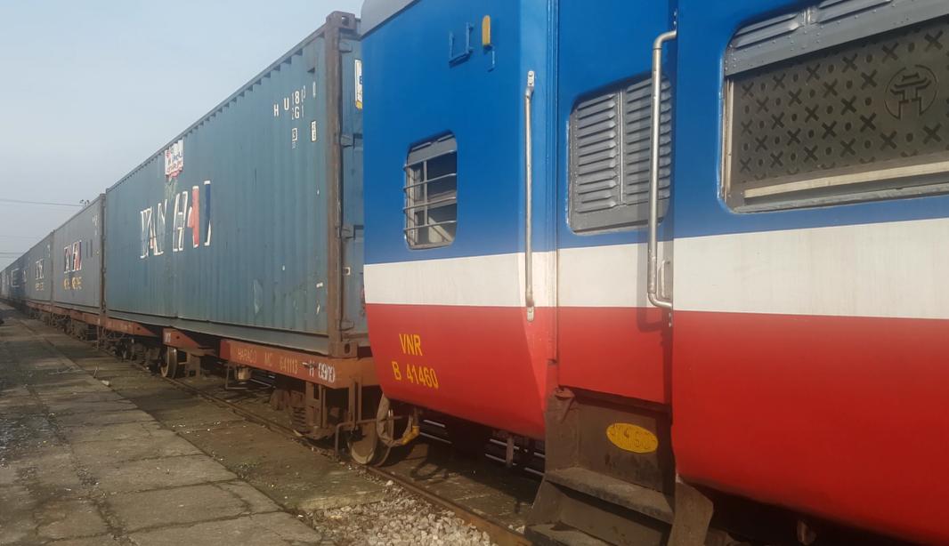 Từ 13/10, ngành Đường sắt chạy tàu khách tuyến Bắc – Nam, Hà Nội – Hải Phòng.