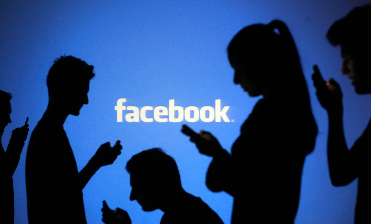 Unfollow Everything giúp người dùng giảm tần suất sử dụng Facebook. Ảnh: Time Magazine.