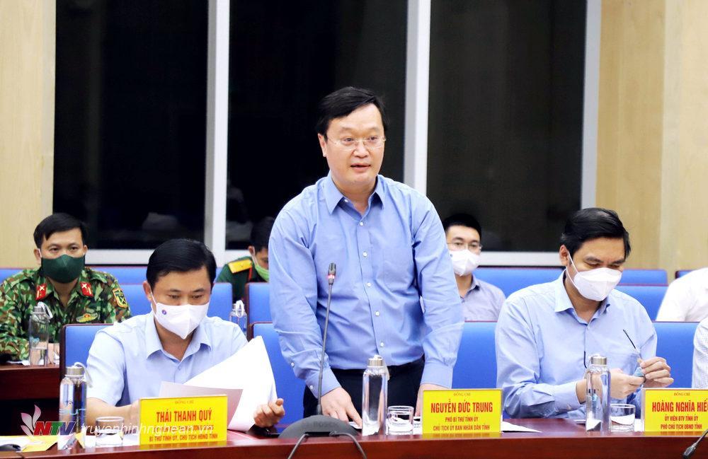 Chủ tịch UBND tỉnh Nguyễn Đức Trung phát biểu tại cuộc làm việc.