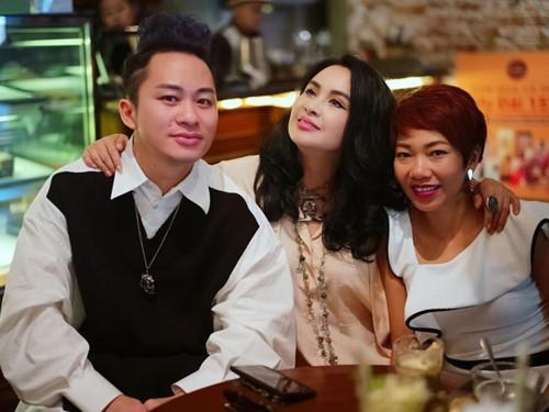 Gương mặt của Thanh Lam trông tự nhiên hơn sau một thời gian dao kéo.