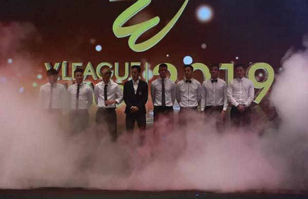 Các cầu thủ góp mặt trong đội hình tiêu biểu V.League 2019 tại Gala.