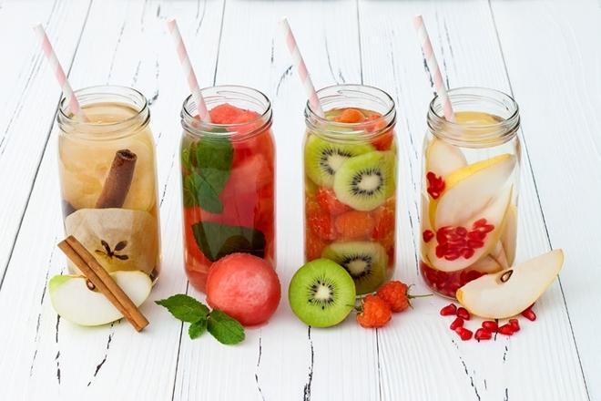 Nước ngâm hoa quả  Thêm trái cây vào nước ngâm qua đêm giúp tăng khả năng giữ nước và giúp thức uống ngon miệng hơn.