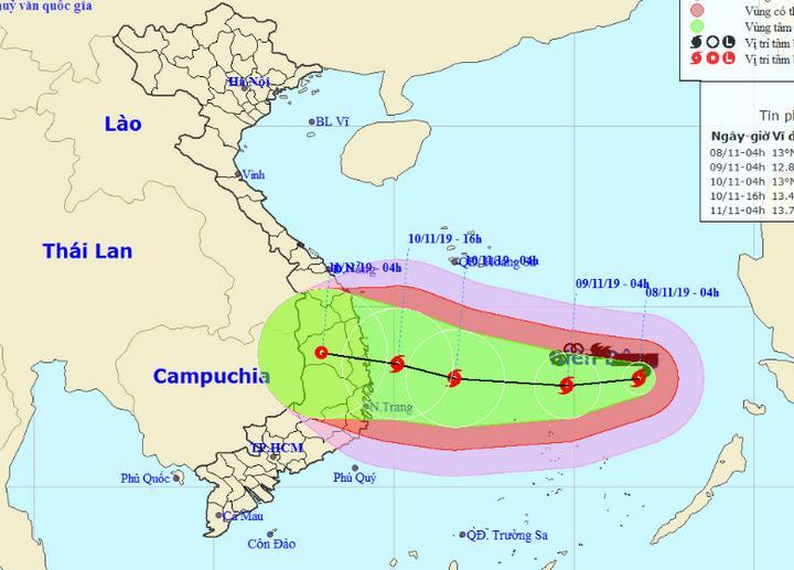 Vi trí và đường đi của bão số 6 vào lúc 5 giờ ngày 8/11.