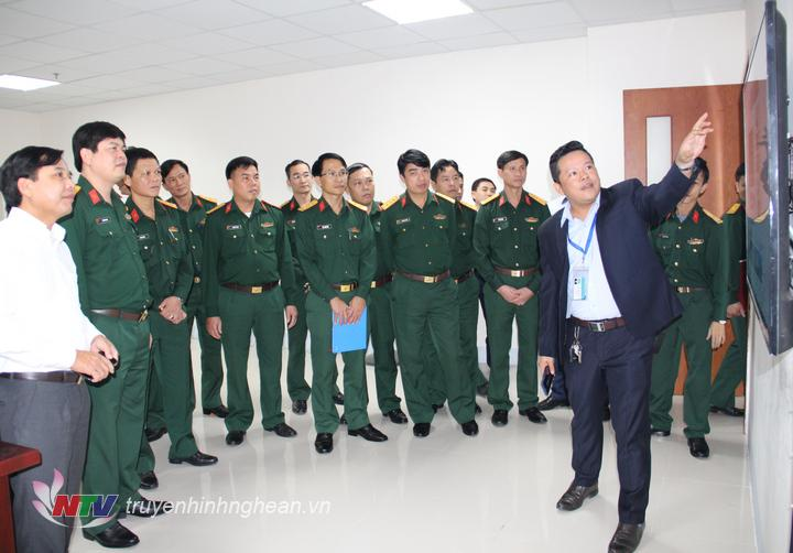 Đoàn tham quan khu vực sản xuất chương trình của Đài.