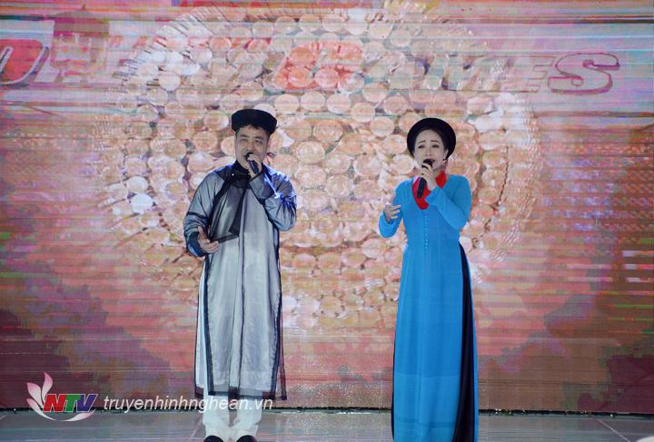 Nghệ An giới thiệu dân ca Ví Giặm tại hội nghị.