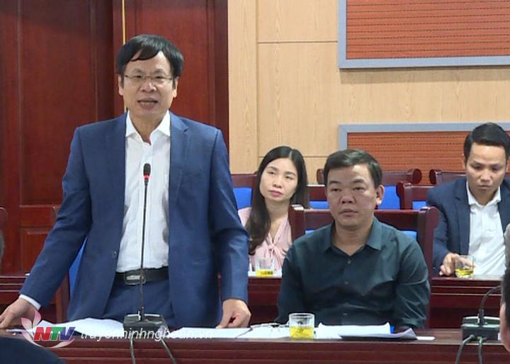 Phó Giám đốc Sở Tài nguyên và Môi trường Thái Văn Nông giải trình các vấn đề HĐND tỉnh đặt ra.