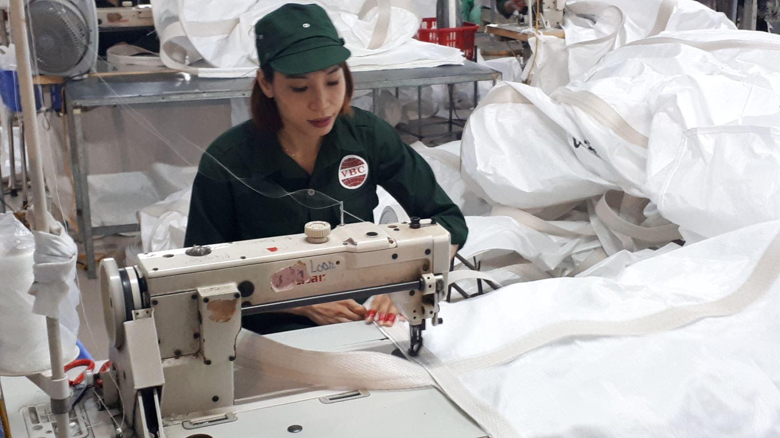 Lao động lĩnh vực may bao bì mong muốn được xem xét nghề nặng nhọc