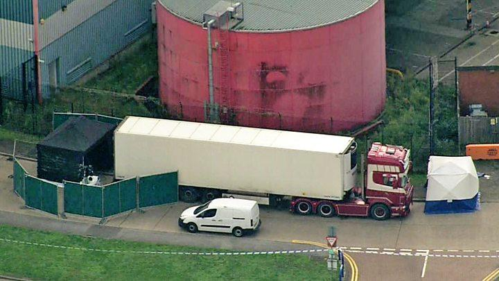 Cảnh quay từ trên cao hiện trường nơi xe tải bị phát hiện