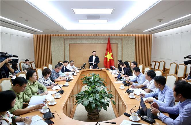 Phó Thủ tướng Vương Đình Huệ chủ trì cuộc họp.