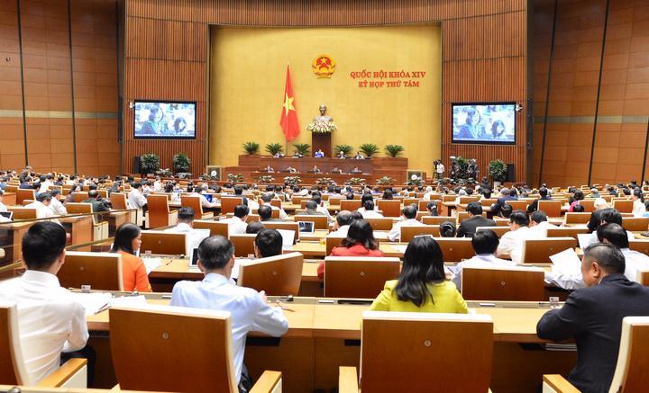 Quốc hội thảo luận ở hội trường về Đề án tổng thể phát triển kinh tế - xã hội vùng đồng bào dân tộc thiểu số và miền núi, vùng có điều kiện đặc biệt khó khăn.