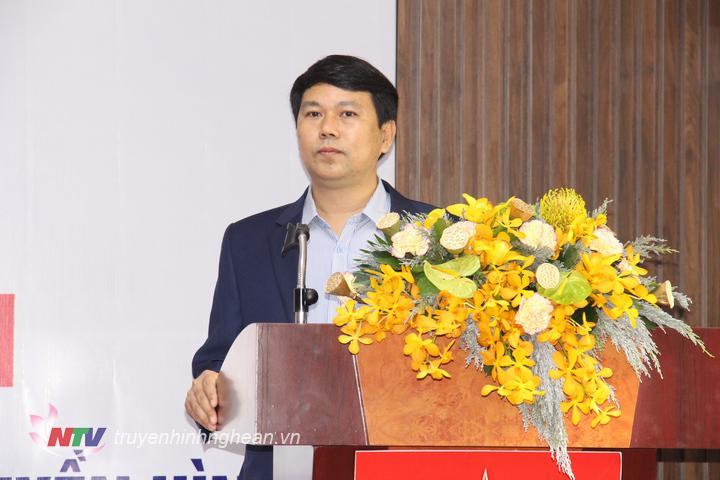 Phó Giám đốc Đài PT-TH Nghệ An Phan Văn Thắng phát biểu tại hội nghị.