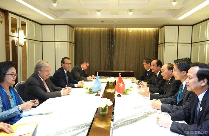 Thủ tướng Nguyễn Xuân Phúc gặp Tổng thư ký Liên Hợp Quốc Antonio Guterres.