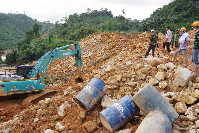 Hiện trường phức tạp, địa hình nguy hiểm ảnh hưởng công tác tìm kiếm, cứu nạn các công nhân mất tích tại Rào Trăng 3.