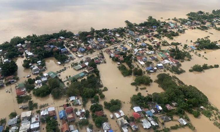 Lũ lụt nhấn chìm nhiều ngôi nhà ở khu vực Thung lũng Cagayan hôm 14/11. Ảnh: Philippine Air Force.
