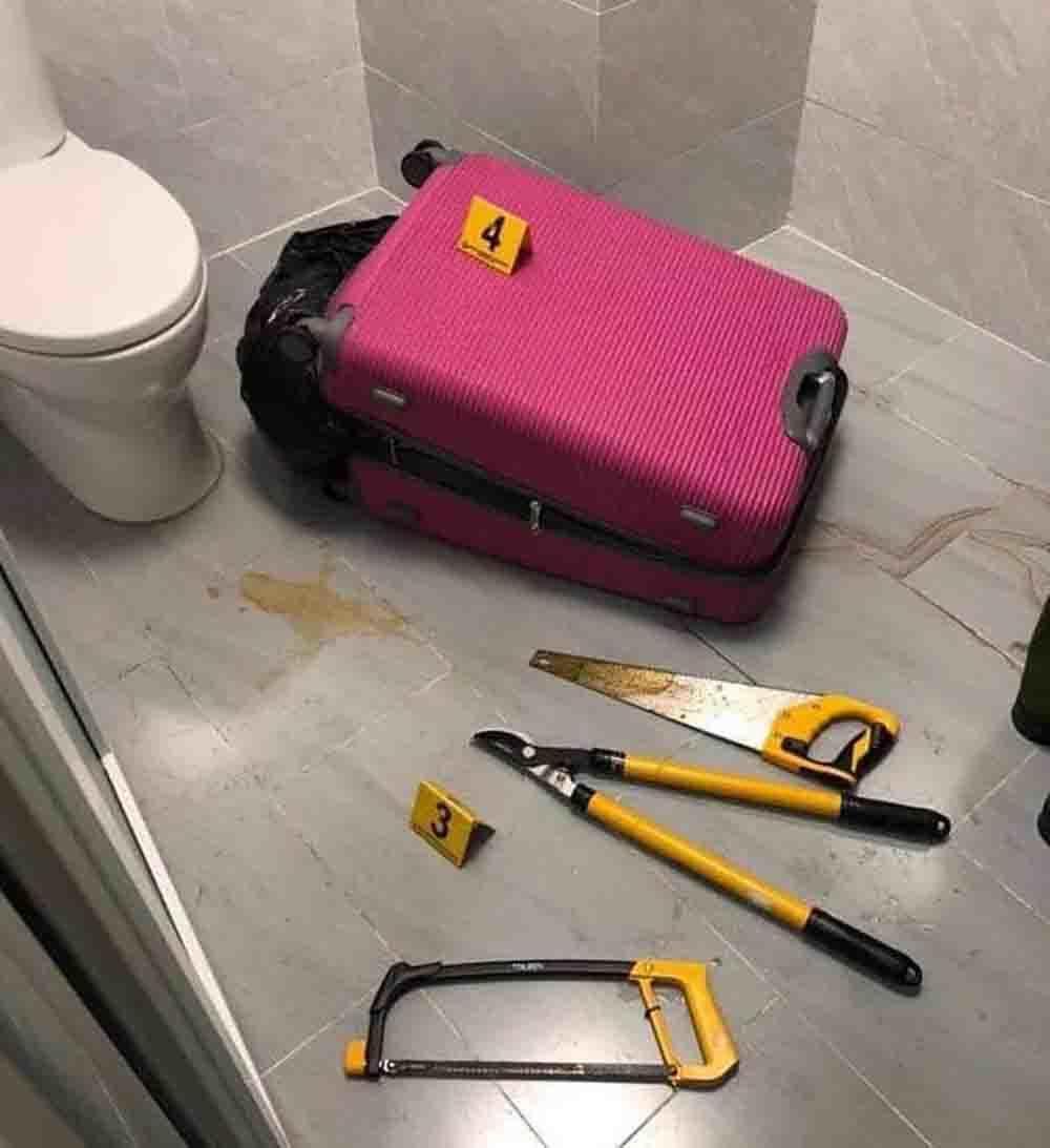 Hiện trường phát hiện xác người giấu trong vali có 2 chiếc cưa, 1 kiềm cộng lực