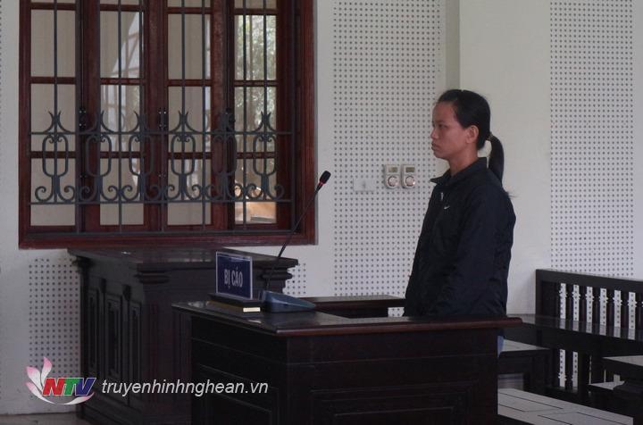 Bị cáo Lương Thị Thúy tại tòa