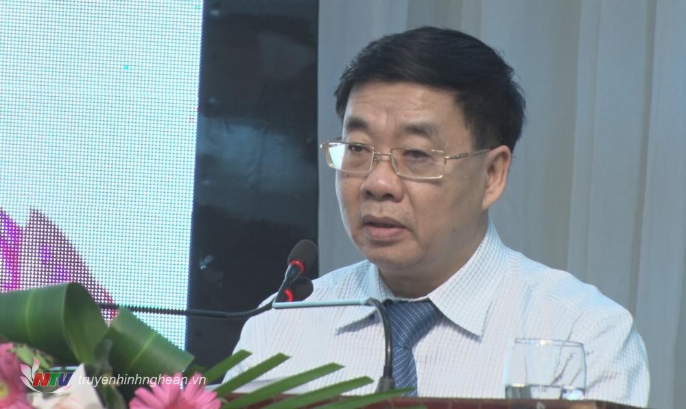 Phó Bí thư Thường trực Tỉnh uỷ Nguyễn Văn Thông phát biểu tại hội nghị.