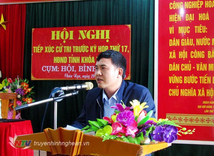 Cử tri Ngân Văn Phong – Bản Na Pủa xã Châu Nga có ý kiến về chế độ hỗ trợ sinh viên sau khi ra trường và ý kiến về điện lưới không ổn định.