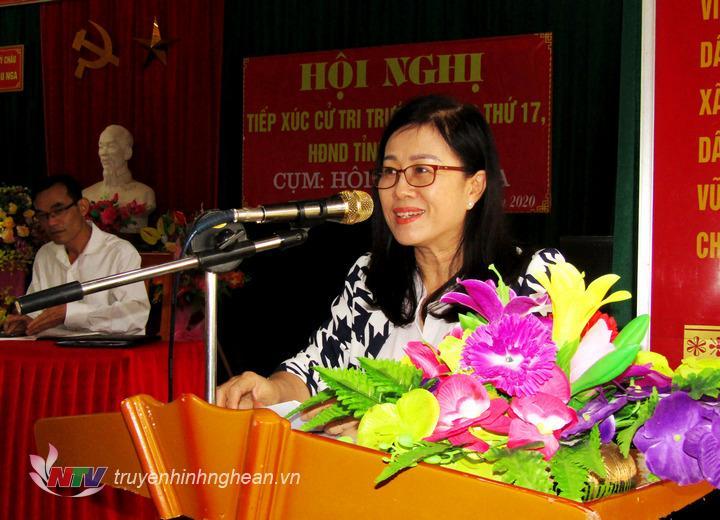 Bà Lục Thị Liên -  Phó Ban Dân tộc HĐND tỉnh đã thông báo đến cử tri dự kiến nội dung, chương trình và thời gian tổ chức kỳ họp thứ 17.