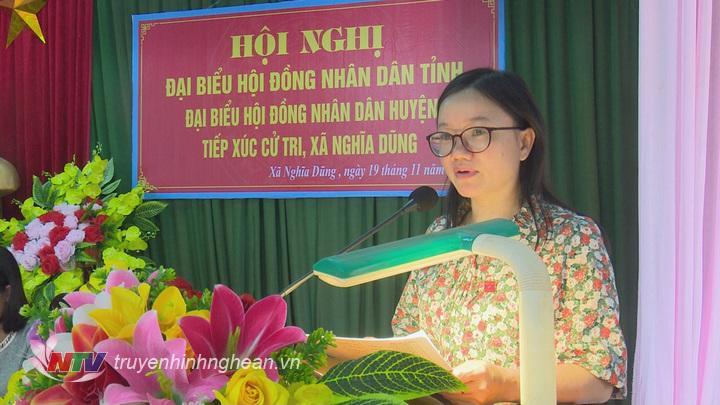1.Bà Thái Thị An Chung thay mặt đoàn đại biểu HĐND tỉnh báo cáo với cử tri