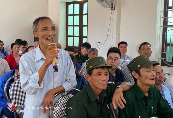 Cử tri xóm Hưng Thịnh kiến nghị về việc hỗ trợ nhà ở cho người có công.